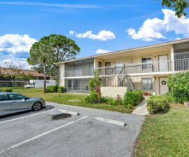 2 BED 2 BATH: 6551 Chasewood Dr. #G